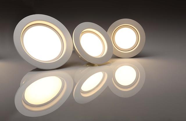 Dlaczego dobre oświetlenie biur – jest ważne?