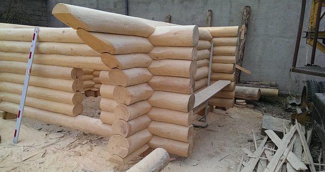 Pomysł na biznes – budowa całorocznych domów z bali