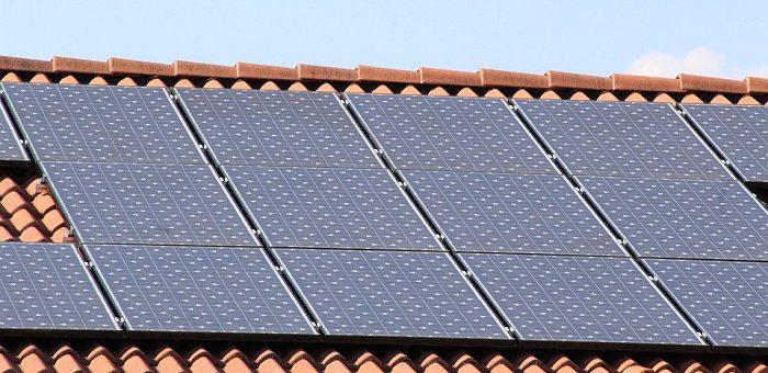 Panele słoneczne monokrystaliczne i polikrystaliczne